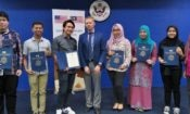 Six graduates of the first MOOC Camp held at the Lincoln Corner Kuala Lumpur received certificates and shared their opinions about the MOOC. (U.S. Embassy photo)